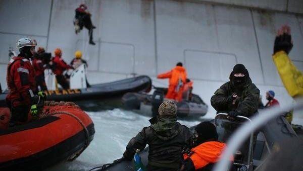 Задержание активистов Гринпис у нефтяной платформы Приразломная. Фото с места события