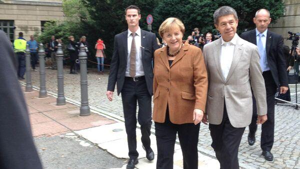Ангела Меркель на избирательном участке на выборах в Бундестаг, фото с места события