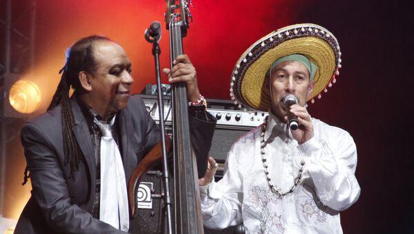 Группа Ska Cubano на музыкальном фестивале WOMAD