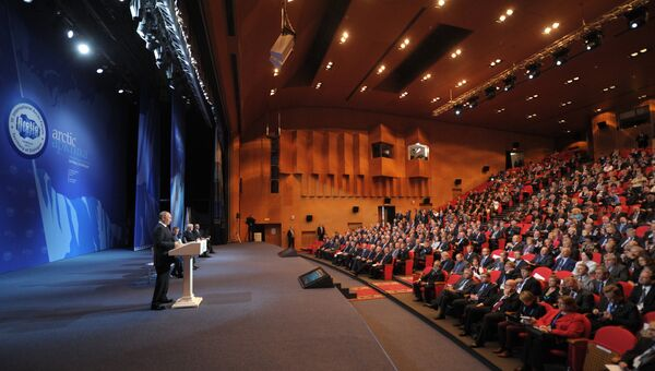 В.Путин на Международном арктическом форуме в Салехарде. Фото с места события