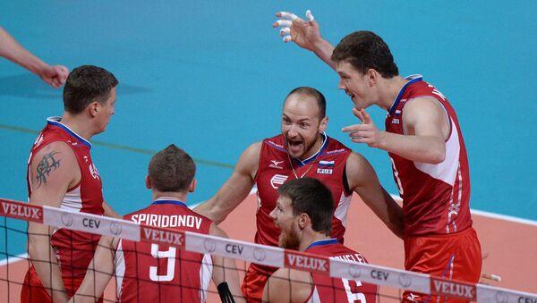 Волейболисты сборной России в финальном матче чемпионата Европы, фото с места события