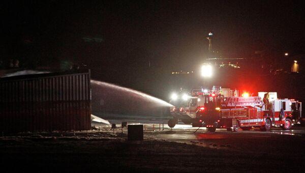 Легкомоторный самолет разбился в аэропорту Санта-Моники на западе США