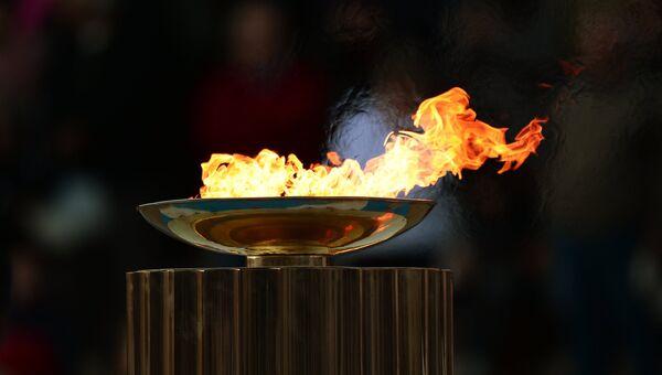Церемония передачи Олимпийского огня Оргкомитету Сочи 2014. Архивное фото