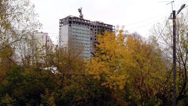 Долгострой на улице Нефтяной в Томске