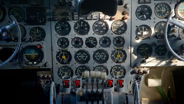 Приборная панель самолета