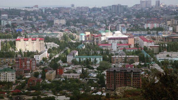 Вид на город Махачкалу со смотровой площадки. Архивное фото