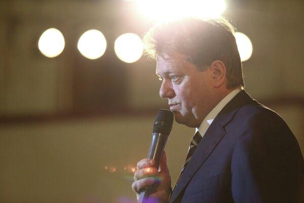 Иван Кляйн на встрече с избирателями, Большой концертный зал в Томске