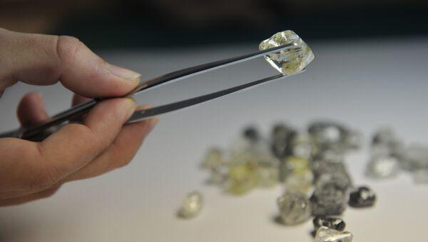 Центр сортировки алмазов. Архивное фото