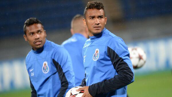 Футболисты Порту Алекс Сандро (слева) и Данило. Архивное фото