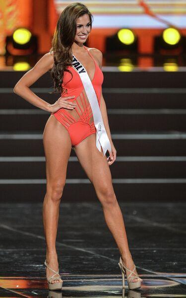 Участница конкурса Мисс Вселенная-2013 из Италии Луна Воче во время полуфинала