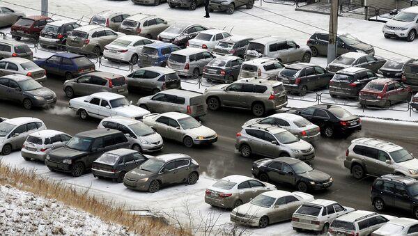 Дороги Красноярска ранней зимой, архивное фото