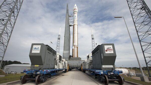Ракета-носитель Atlas V с американским зондом Mars Atmosphere and Volatile EvolutioN (MAVEN), предназначенным для исследования атмосферы Марса, на стартовой площадке 41 авиабазы ВВС на флоридском мысе Канаверал.