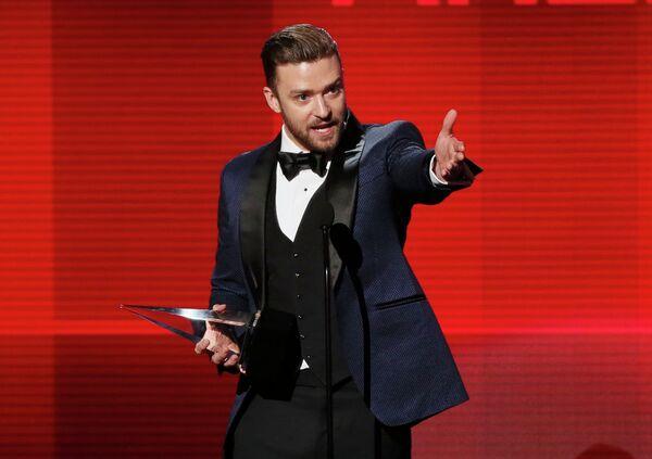 Американский певец Джастин Тимберлейк на 41-й церемонии American Music Awards