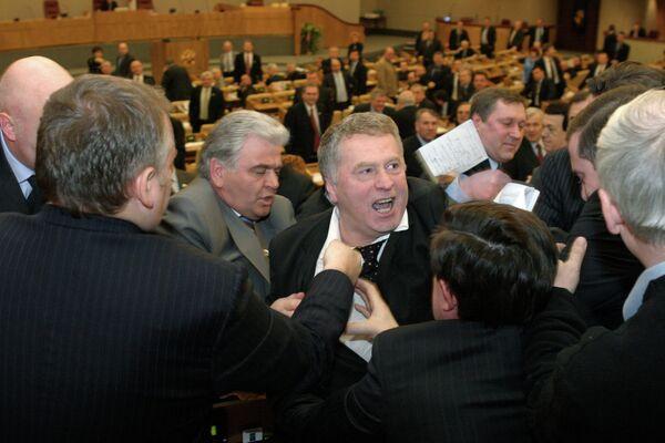 Владимир Жириновский во время драки на пленарном заседании Государственной Думы