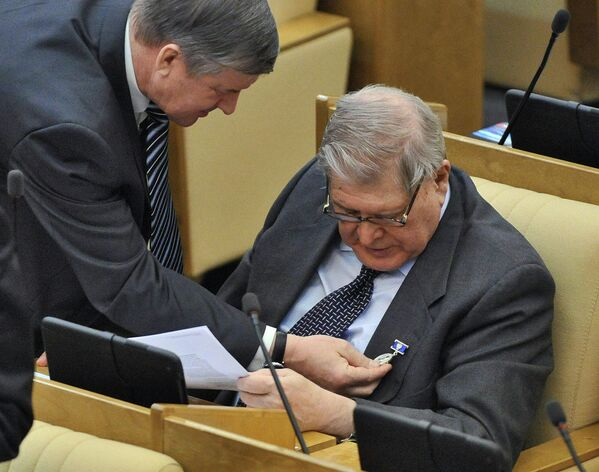 Член Комитета Государственной думы по бюджету и налогам Геннадий Кулик на пленарном заседании Госдумы.