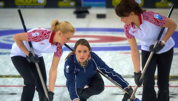 Российские спортсменки Александра Саитова, Анна Сидорова и Екатерина Галкина (слева направо)