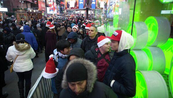 Очереди перед открытием магазинов в Черную пятницу в Нью-Йорке