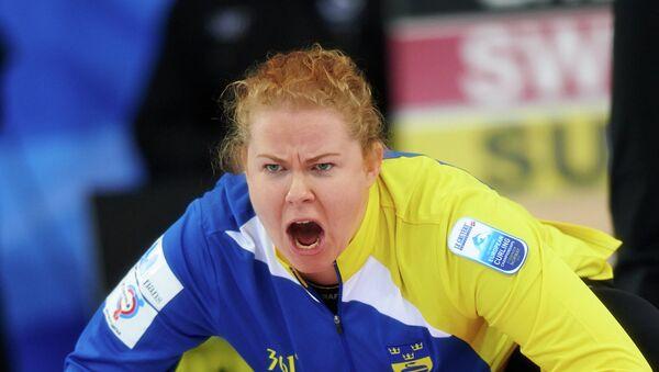 Маргарета Сигфридссон (Швеция) в полуфинальном матче ЧЕ по керлингу. Фото с места события