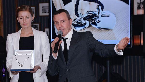 Актер Игорь Верник на благотворительном аукционе, организованном проектом Сноб для фонда Справедливая помощь