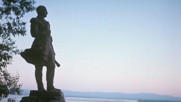 Памятник адмиралу Г.И. Невельскому, архивное фото