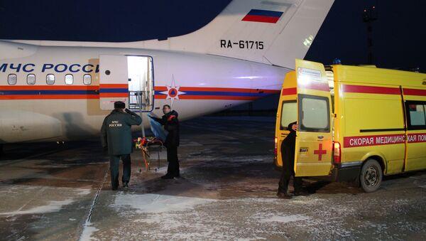 Костромской пожарный, обгоревший в Галиче, направлен самолетом в Петербург, фото с места события