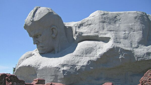 Монумент Мужество мемориального комплекса Брестская крепость-герой