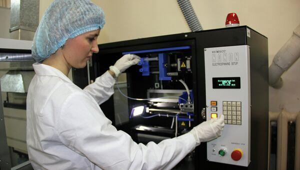 Установка для получения нановолокна NANON-01A. Архивное фото