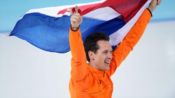 Штефан Гротхайс (Нидерланды) после забега на 1000 метров в соревнованиях по конькобежному спорту
