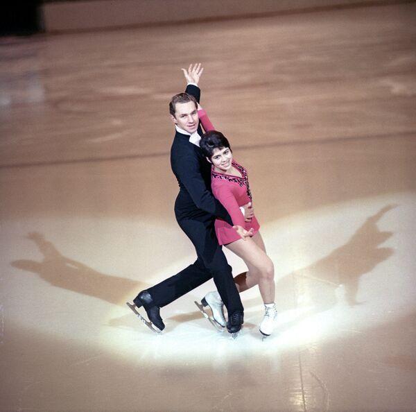 Олимпийские чемпионы в парном катании Ирина Роднина и Алексей Уланов