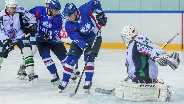 Хоккейная команда Лада. Архивное фото