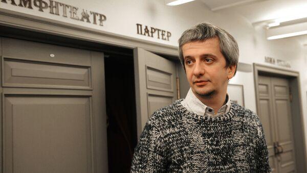 Интервью режиссера К.Богомолова перед спектаклем Лед