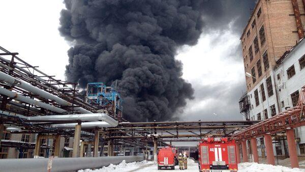 Пожар на заводе Омский каучук, фото с места событий