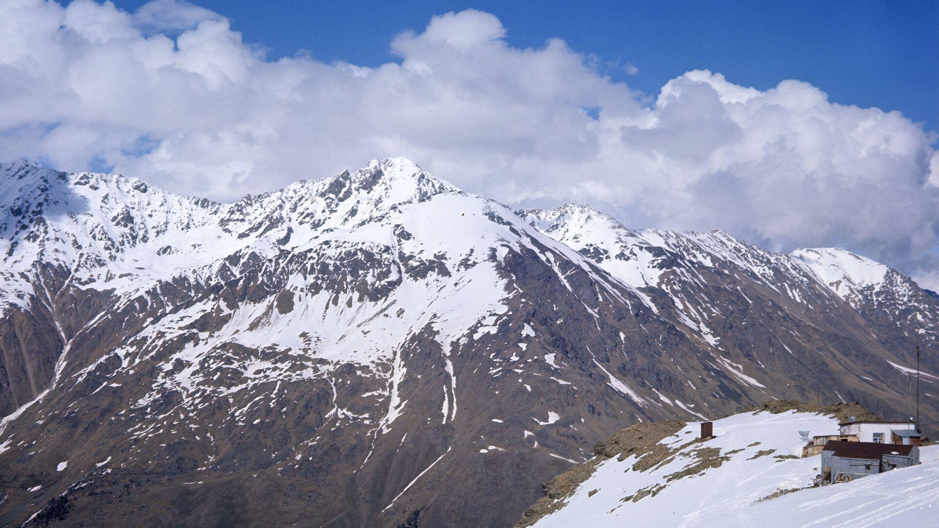Число погибших на Эльбрусе альпинистов выросло до пяти человек