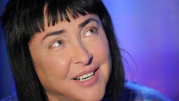 Лолита Милявская на съемках передачи в РИА Новости