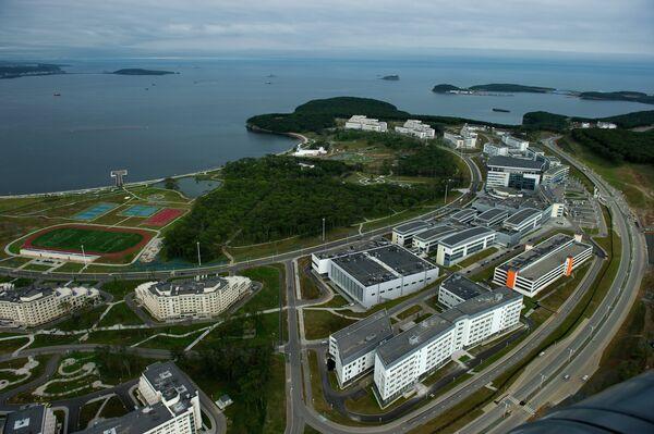 Владивосток и остров Русский с вертолета