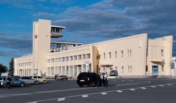 В международном аэропорту Курумоч.