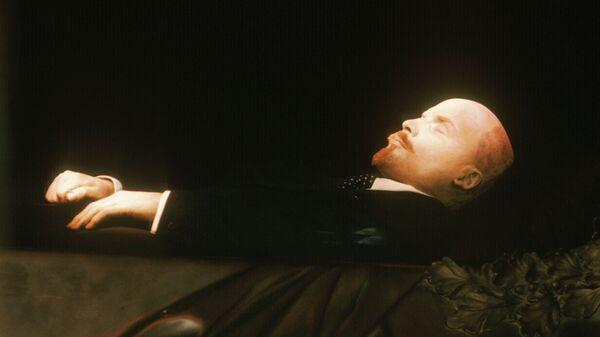 Ленин спит спокойно