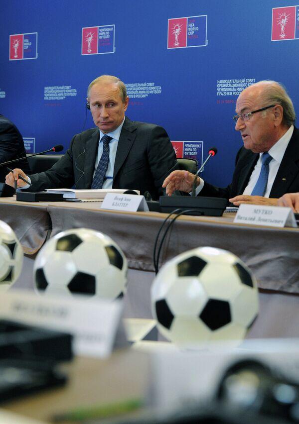 В.Путин ознакомился с ходом реконструкции Большой спортивной арены Лужники