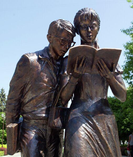 Памятник студентам открыт в Краснодаре