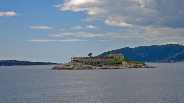 Остров Мамула.