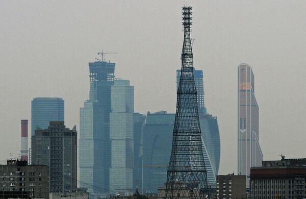 Вид на Шуховскую башню и ММДЦ Москва-Сити