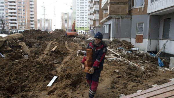 Рабочий на строительной площадке