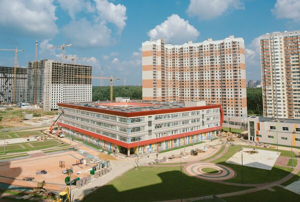 Школа в микрорайоне Путилково