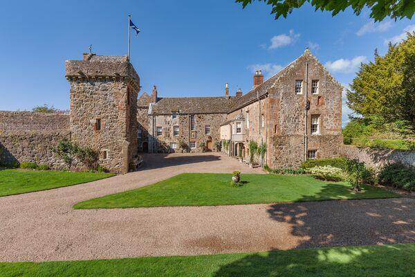 Шотландский замок XIII века Craig