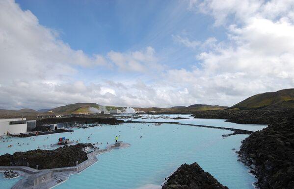 Бассейн  Голубая лагуна в Гриндавике, Исландия