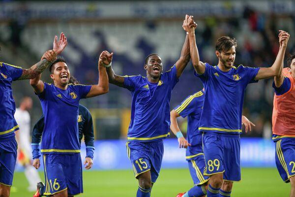 Футболисты Ростова радуются победе над Андерлехтом