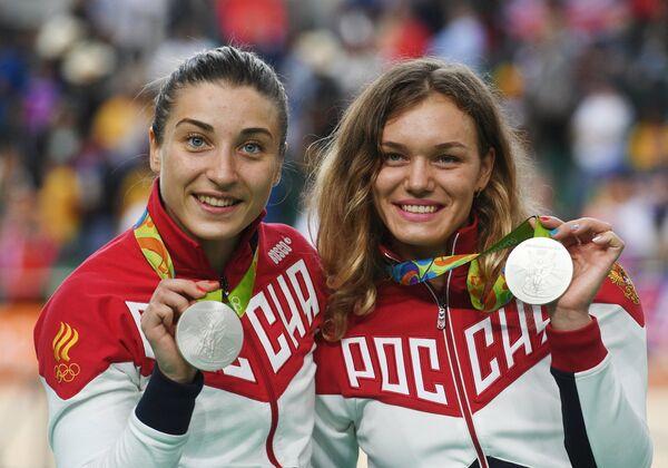 Дарья Шмелева и Анастасия Войнова (слева направо)