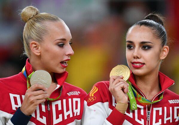 Яна Кудрявцева (Россия) и Маргарита Мамун (Россия) (слева направо)