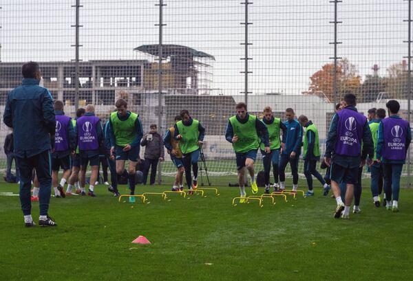 Футболисты Зенита на тренировке