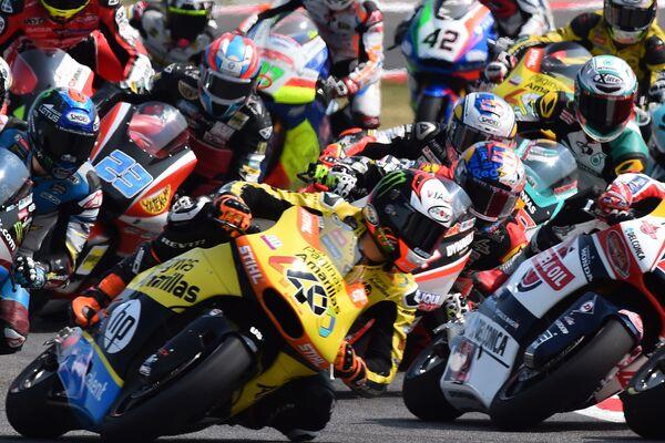 Момент гонки чемпионата мира по шоссейно-кольцевым мотогонкам